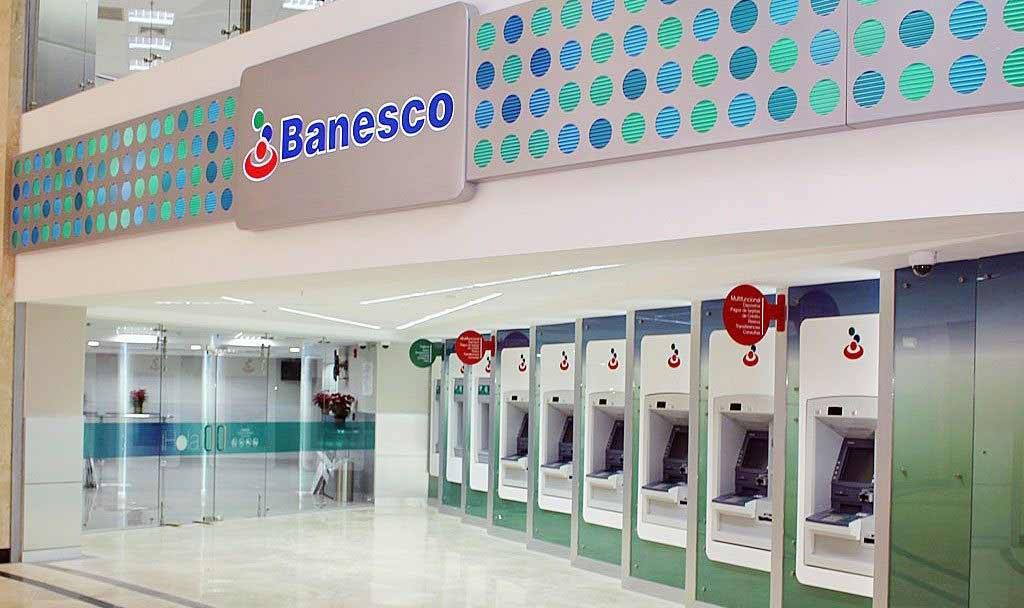 Fachada de la Agencia | Banesco abrió una agencia en el C.C. Parque Cerro Verde