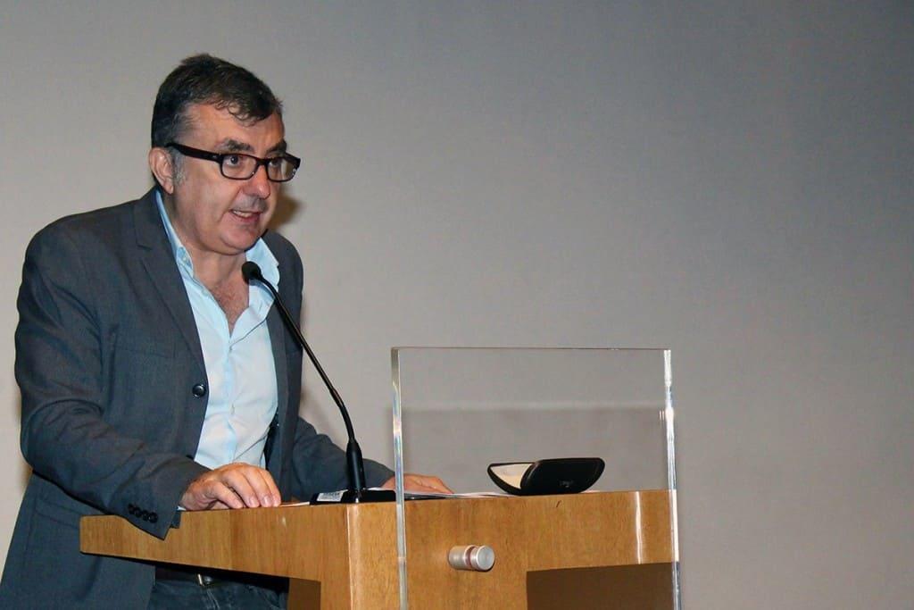 El escritor español Manuel Vilas, durante su conferencia